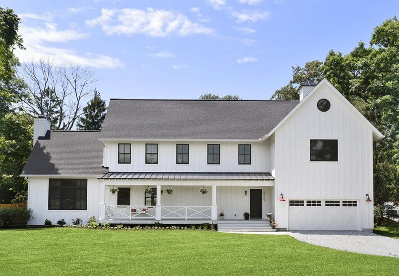Modern farmhouse design and build by Linc