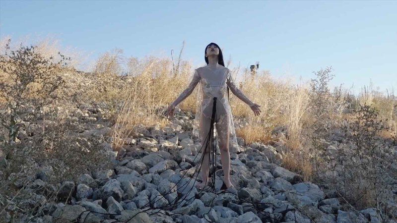 Artist Ibuki Kuramochi is best known for staging live performances that explore bodily transformation and personal expression through experimental Japanese Butoh dance.